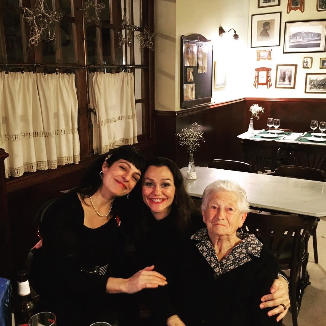 Molta alegria amb sa meva estimada amiga d'infància, na Xisca, i sa padrina Catalina