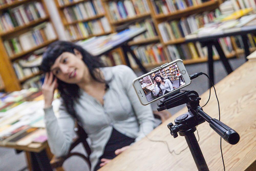 En un ratito os cuento más de la entrevista que me ha hecho el equipazo de @que_piensan_las_mujeres #mujeres #mujer #mujeresvalientes #mujeresbonitas #mujeresbellas #mujerfeliz #mujeremprendedora #mujeresguerreras  #chicas #entrevista #opinion #reflexion #instagram #instagood #protagonistas #sexo #sexualidad #orgasmo  #quepiensanlasmujeres