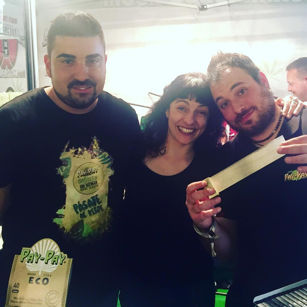 Con @paypaypaper @papel_y_mecheros que son geniales! @spannabis_official