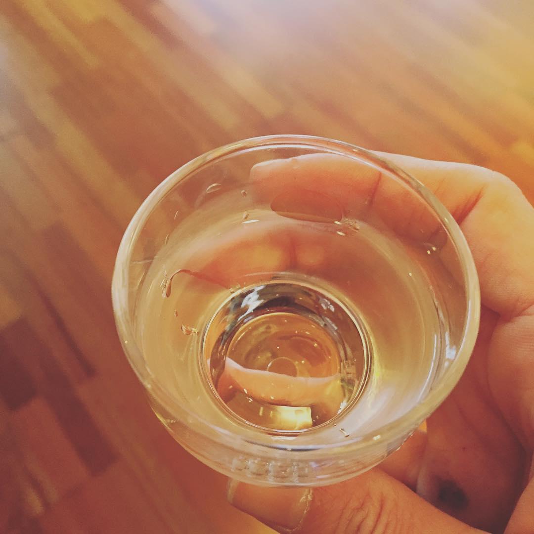 Un brindis con #sake? Por un jueves espléndido :))