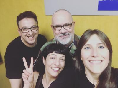 He visitado a tres grandes y hemos hablado de #series, el sábado en la radio ;)) Mercè Torrens Gonzalo de Martorell i Xavi Marin