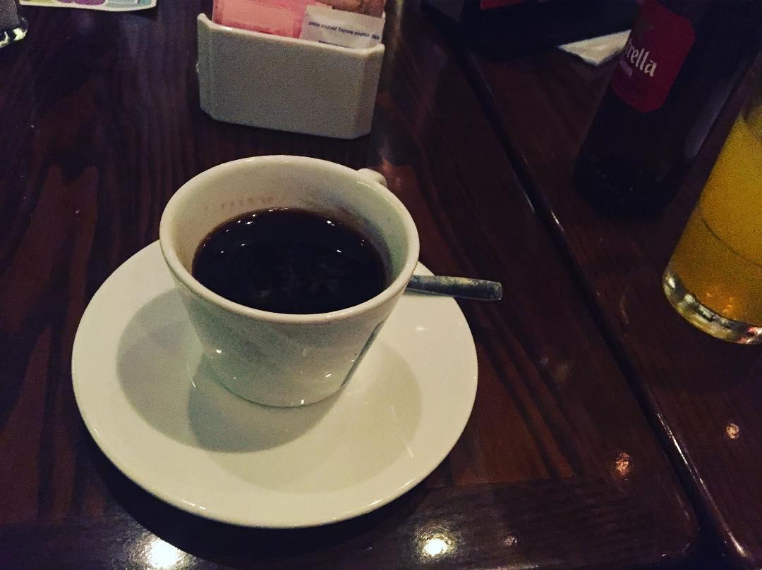 Café americano a esta hora es = a #nochedeescritura ;))