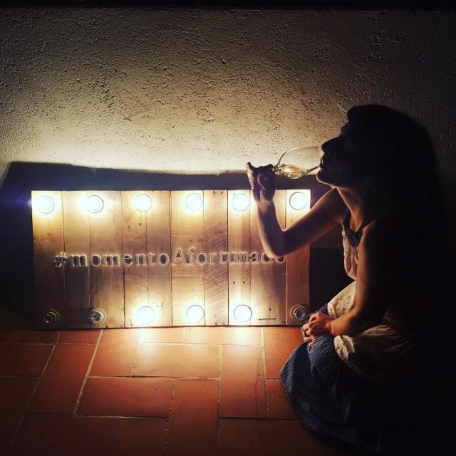Vino afortunado i Roser Amills
