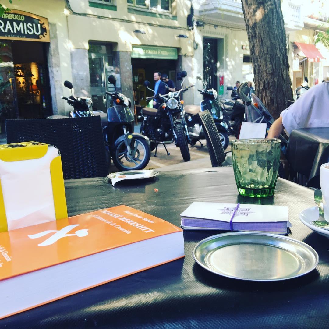 Unas rondas de café más tarde, con #sabinomendez y #martaprats ;))