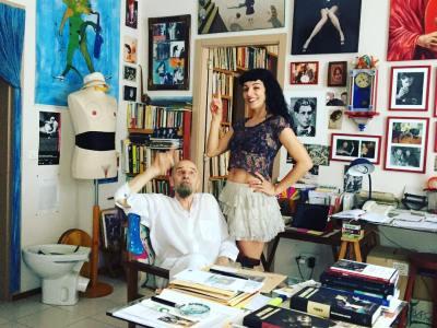 Aviso para quienes lo admiráis y le tenéis cariño: el último postista vivo, el escritor y artista Antonio Beneyto, lleva meses ingresado en un centro de Barcelona. Y ahora, además, contagiado #COVID19, está grave, vamos a llevarle unos audios de ánimos