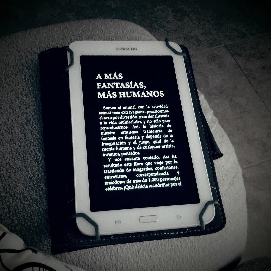 Sabías que te puedes descargar por casi nada mis #1001fantasiasmaseroticasysalvajes ? Xavi Rojo ya las tiene, mirad! #lecturaveraniega