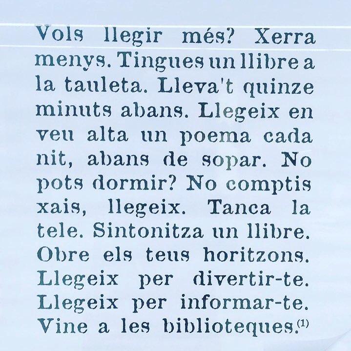 ☺️💕💕💕 llegir és millor que qualsevol contorno de ojos per una mirada radiant ;))