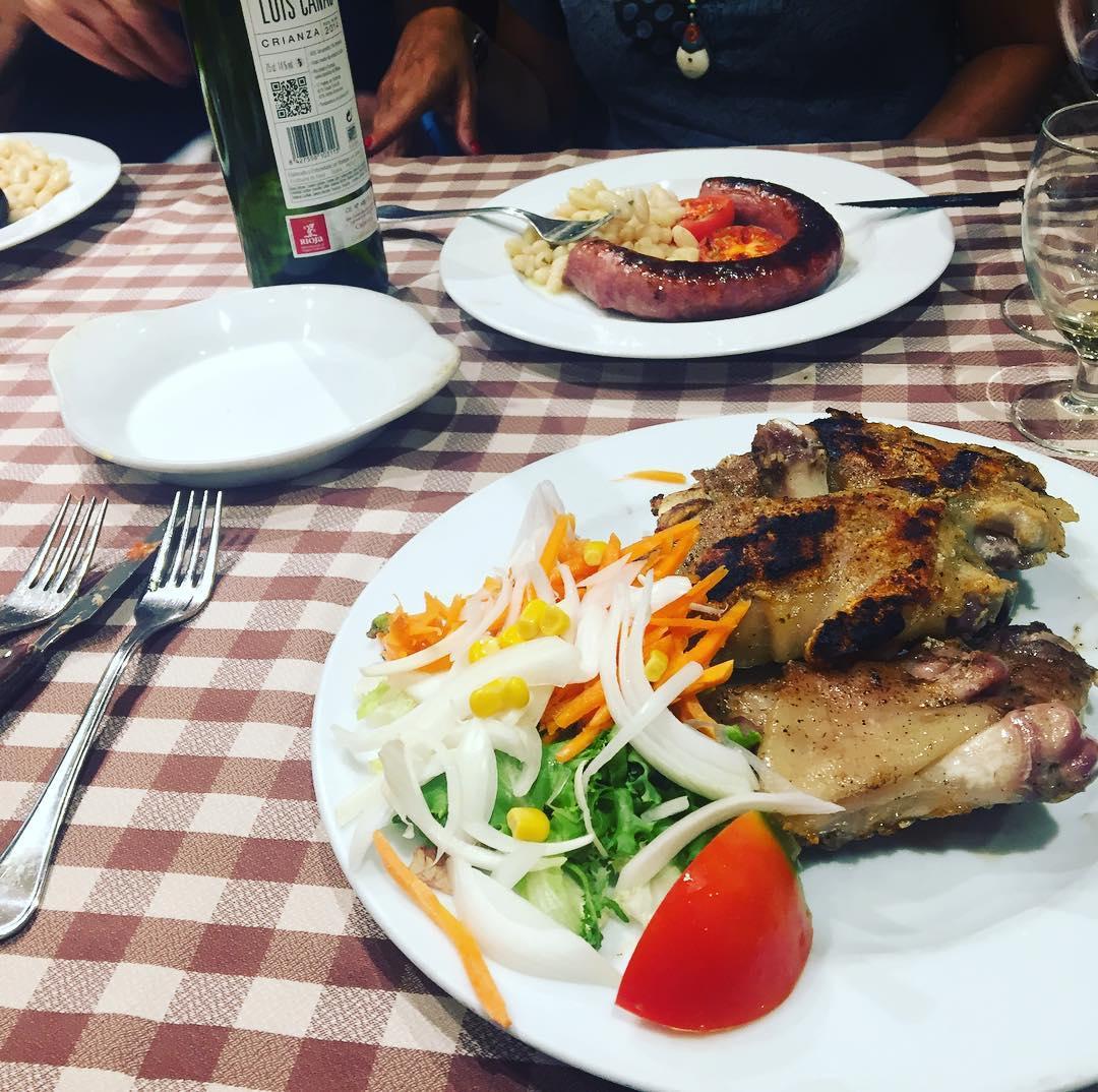 Somos escritoras y hemos cenado ;))