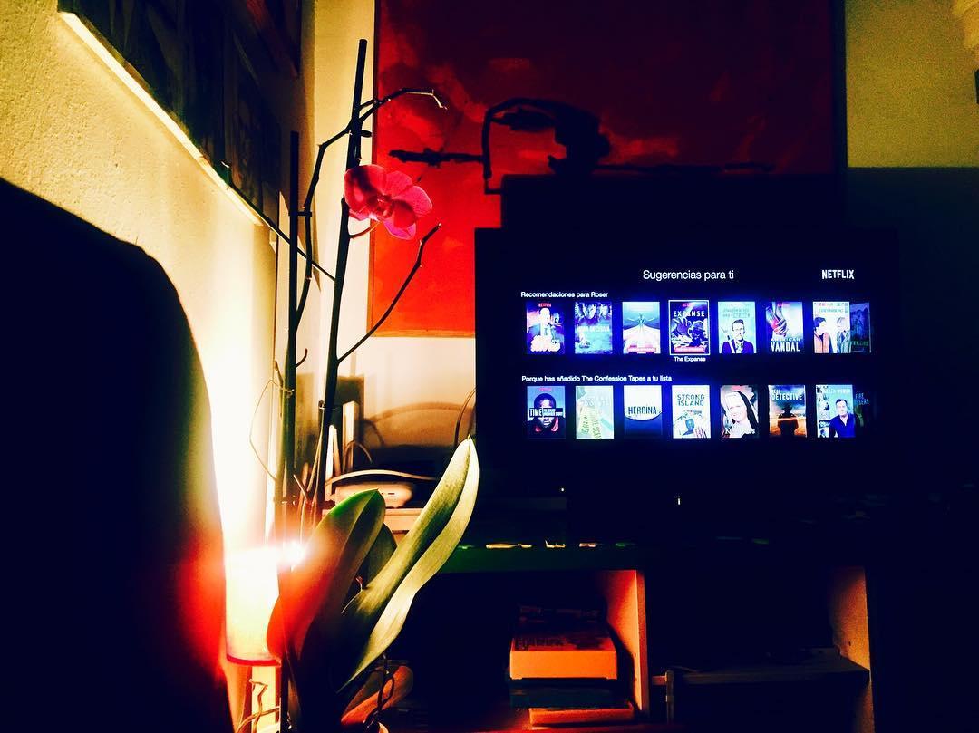 Cuánto falta para la segunda temporada de #strangerthings ? ☺️