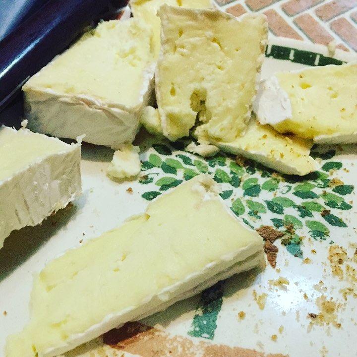 Cenamos? Ya que nos dan la #democracia con queso...