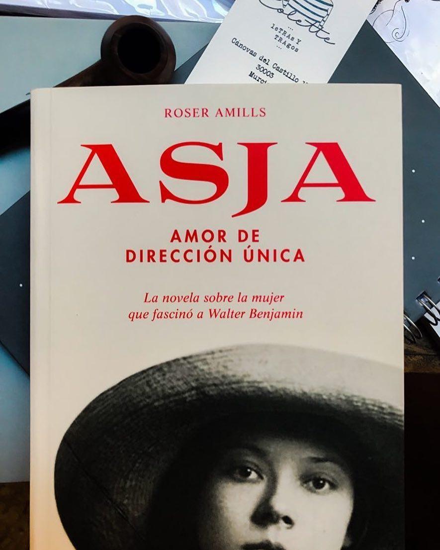 Hoy, en el aniversario de la muerte de #asjalacis, en #Murcia, en @LetrasyTragos homenajean a esta gran mujer leyendo su historia. La conoces ya? #asjalacis & #walterbenjamin Gracias!!