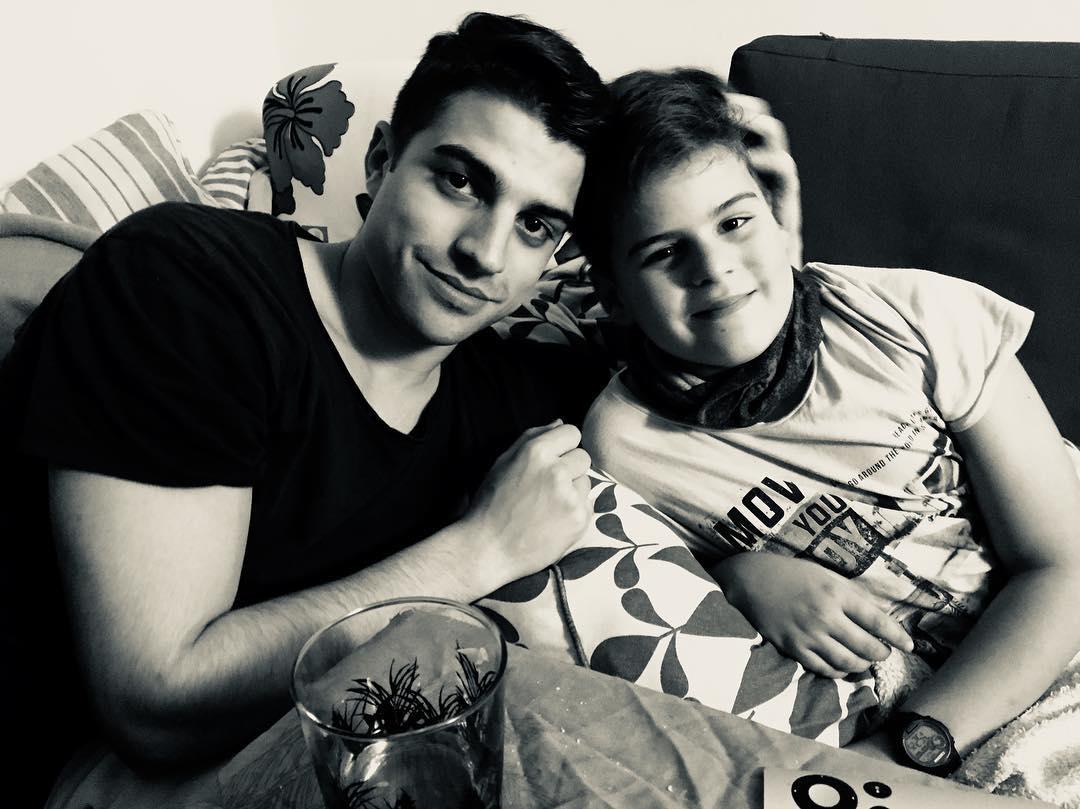 Marcel 22 años y Joan 10 años :)) Cuánto os adoro, hijitos bonitos!!!