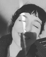 roser amills al sol