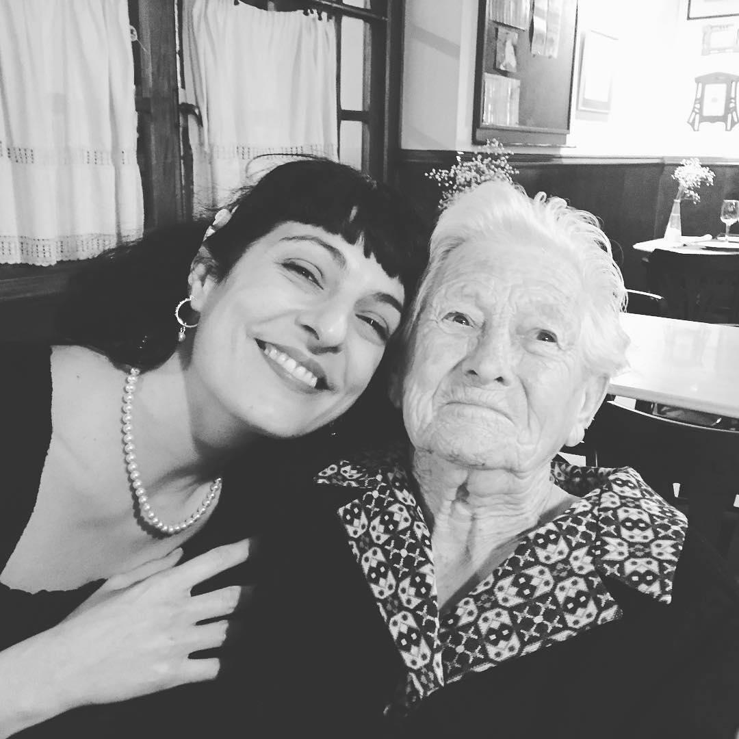 Catalina Pou Barceló, la mujer más importante de mi vida, descansa en paz. Nos dio su sonrisa durante 89 años y ahora nos iluminará cada vez que alguien suspire recordándola