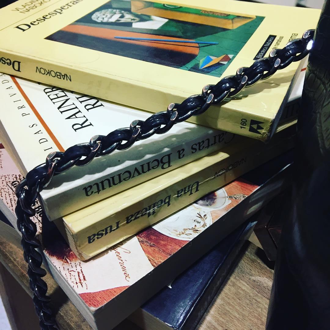 Libros de bolso ;)) Dedicado a @margalidaramon @mantoniamassanet