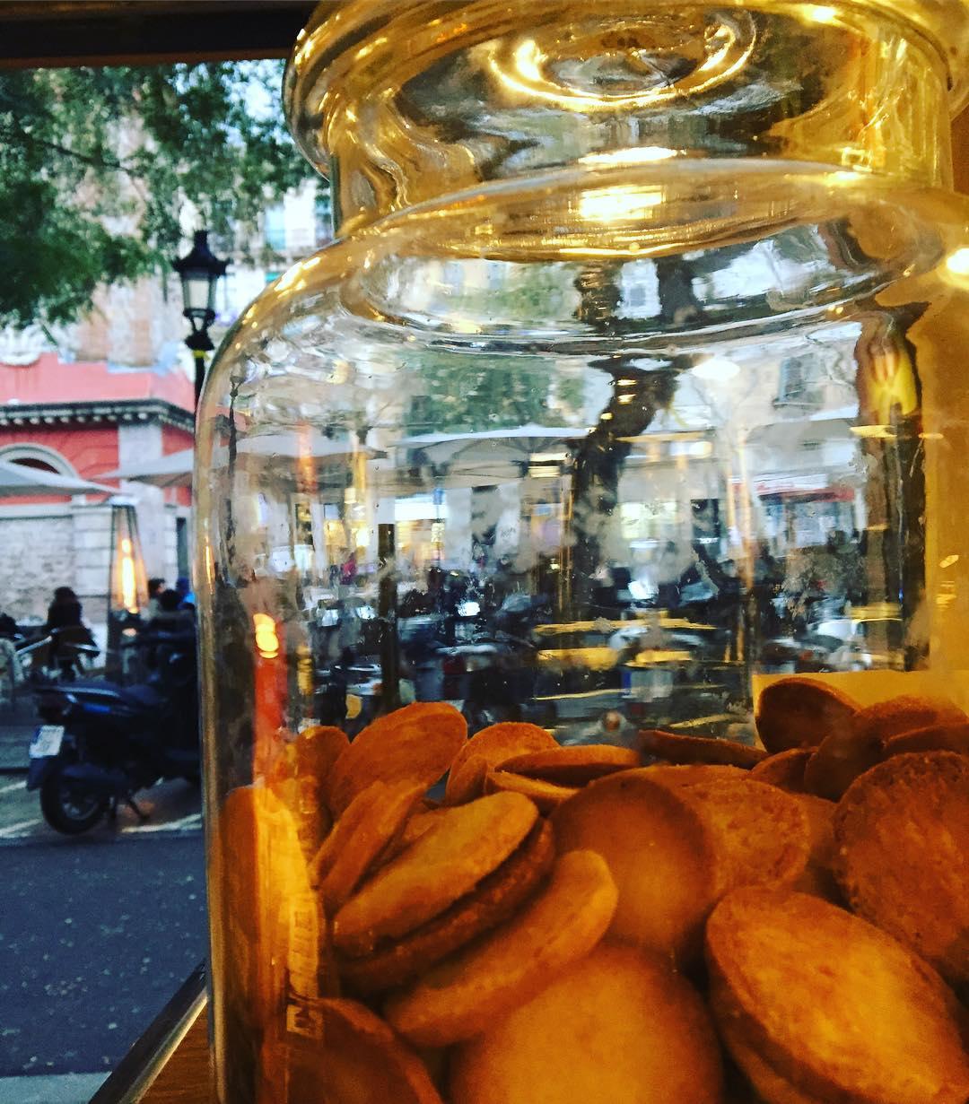 La vida es un riquísimo frasco de galletas ;))