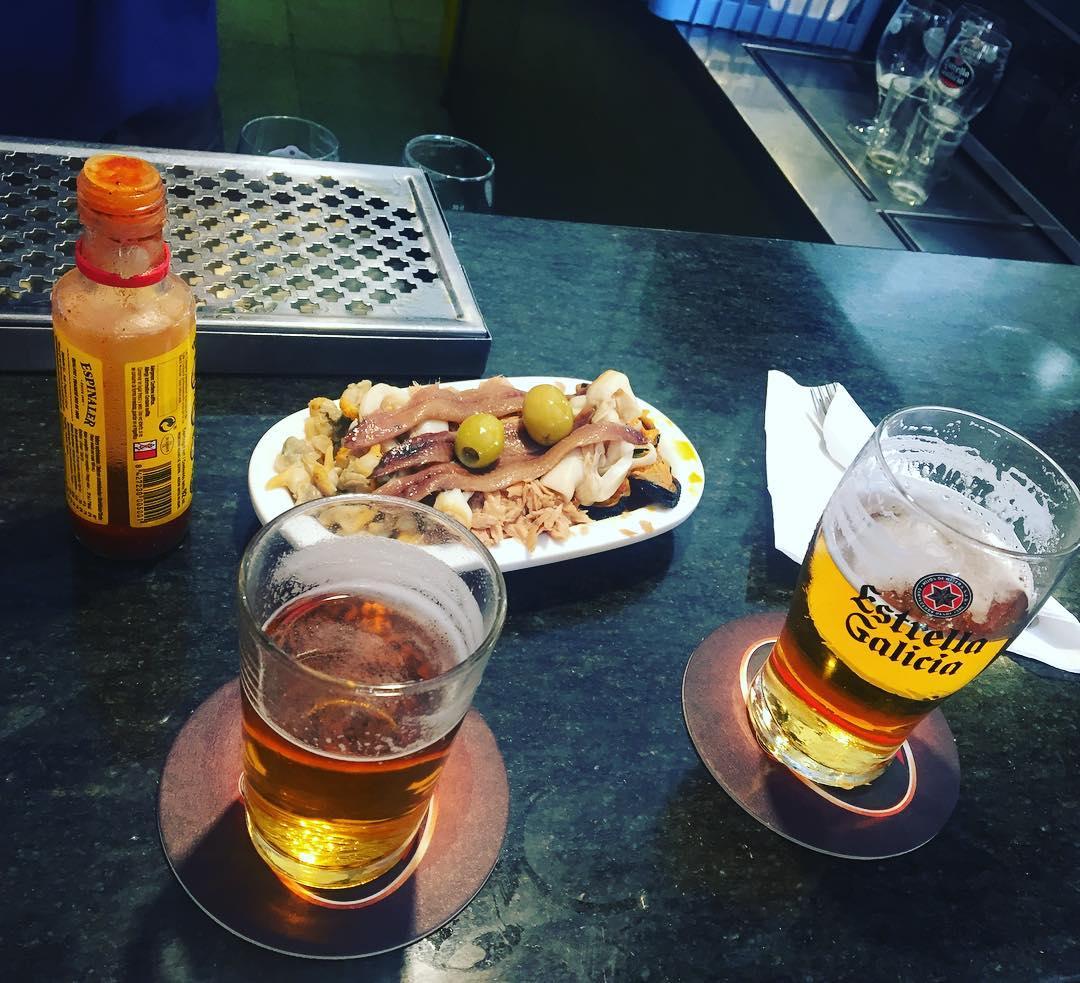 Feliz domingo!!! Llegó la hora del #vermut en @bar_pietro ;))