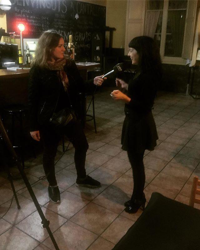 Gràcies @laiaparetas de Penedès TV per explicar el que vam fer ahir amb @visitaavinyonet i la nit de #Visexual a #Cantallops #Microvi2018 #sexeivi #sexandwine