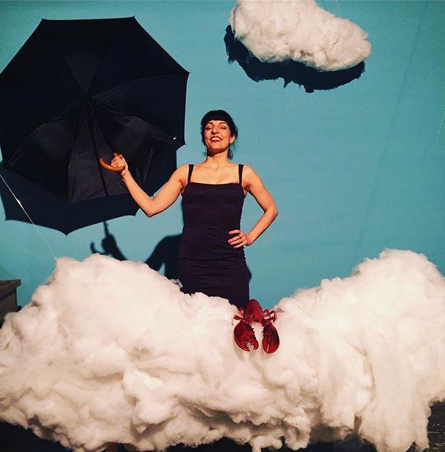 Fin de semana lluvioso, y poético. Júntalo en #utopiamarket #utopiapoesia ;))