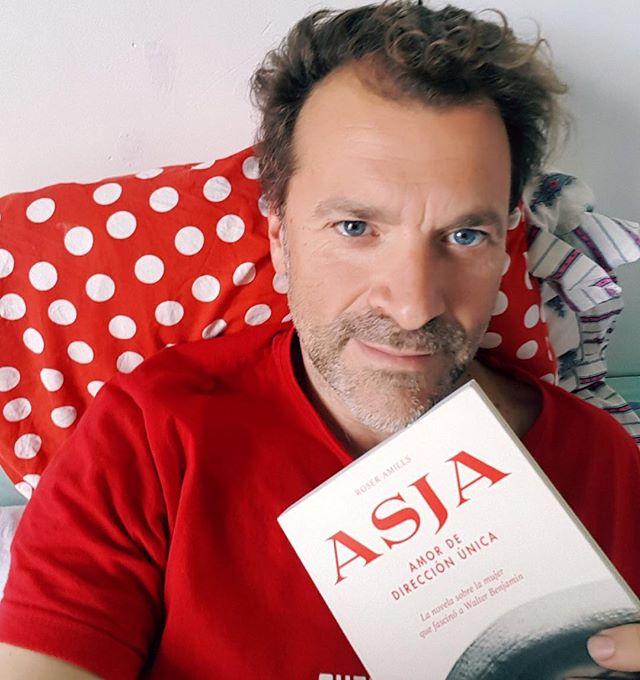 El millor lector del món, estimat @yvesuag amb #asjalacis ❤️