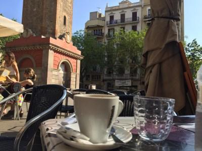 Cuántas novelas en cada café! #bonatarda #buenastardes #bonsoir