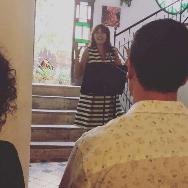 Sí, estimem a aquesta gran dona, ara #conselleradecultura de la Generalitat. Sempre hi és, arreu, amb nosaltres, amb la cultura. @borras.laura és amor :))