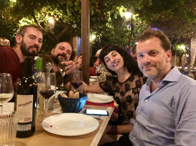 Som a sa taula bona @yvesuag @pau_vadell @pcarboxifre 🙋🏻♀️
