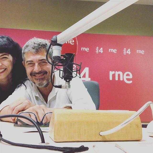 Ara, en directe a RNE al nou programa de @GoyoPrados:'Són 4 dies', un espai cultural, festiu, de música, reflexió i lleure. A @radio4_rne