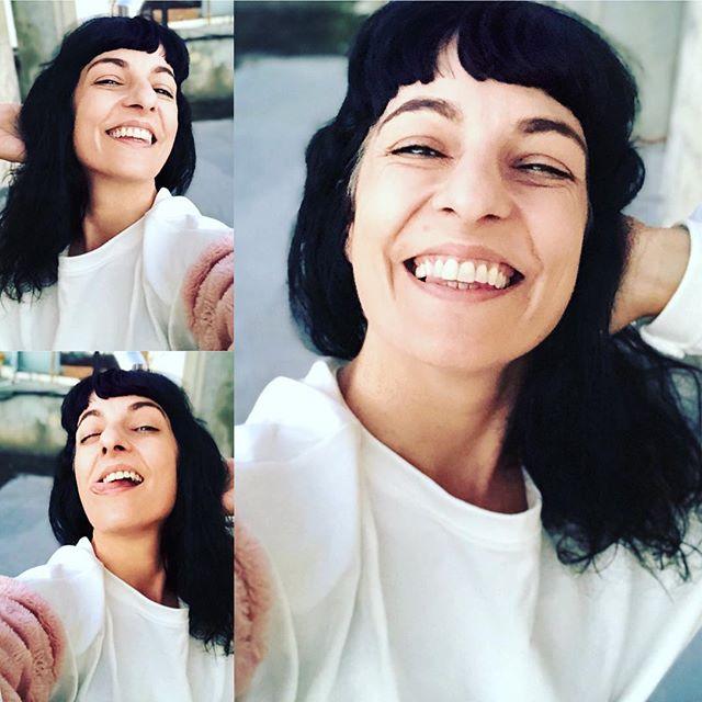 roser amills feliz miércoles, que tengáis un día fabuloso!!! [sudadera de @ottovanrhuskbcn ]#amillsmorning #bondia #buenosdias #goodmorning #morning #day #barcelona #barridegracia #daytime #sunrise #morn #awake #wakeup #wake #wakingup #ready #sleepy #sluggish #snooze #instagood #earlybird #algaida #photooftheday #gettingready #goingout #sunshine #instamorning #early