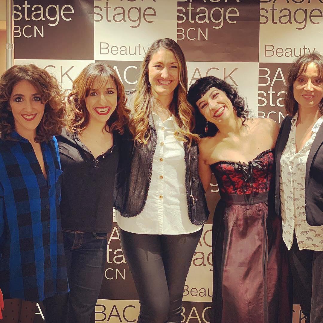 Gracias @nuriasoterasbeauty por esta intensa tarde de #makeup💄 #hair 💇♀️para la alfombra roja #11premisgaudi @academiacinecat #premiosgaudi2019 #hairstyle #actress #fashion. Gracias equipo @backstagebcn #premisgaudi ;))
