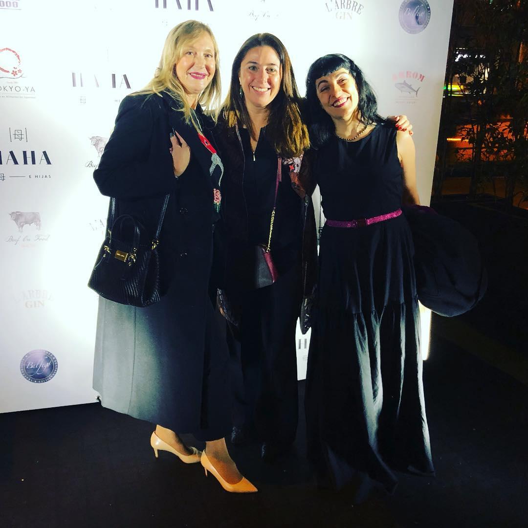 Ayer compartimos toda esta alegría en la inauguración de @haha_bcn de @ruthjimeneztv y @rebekabrown y en la gala de los #premiszapping 2019