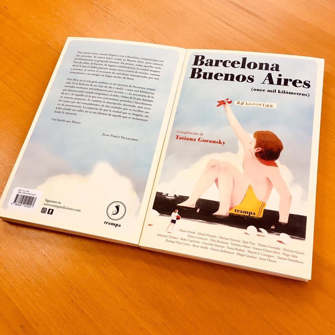 #Repost @trampa_ediciones La urbe catalana y la capital argentina hermanadas. Barcelona-Buenos Aires, once mil kilómetros, la posibilidad de transitar el puente literario a través de 22 cuentos inéditos, autores y autoras que representan con fidelidad el pulso actual de la literatura a ambas orillas del Atlántico. La portada es de @david_delasheras 📚Libro hogar de una maravillosa familia: @martaorriols , @matiasnespolo , @mariana_travacio , @jnvico , @tatigoransky , @quirosmariano , @carnicero.marta , @felix.bruzzone , @vnietofoco , @franco_chiaravalloti , Hugo Salas, Sebastián Chilano, @planeta_lem , @graziella.moreno , @sonjabudassi , Martín F. Castagnet, Tamara Tenenbaum, Rodrigo Díaz Cortez, @roseramills , @kolesnicova , @diegandara y Josan Hatero. . . . El 6 de marzo en vuestra librería favorita 🤸🏽♀️