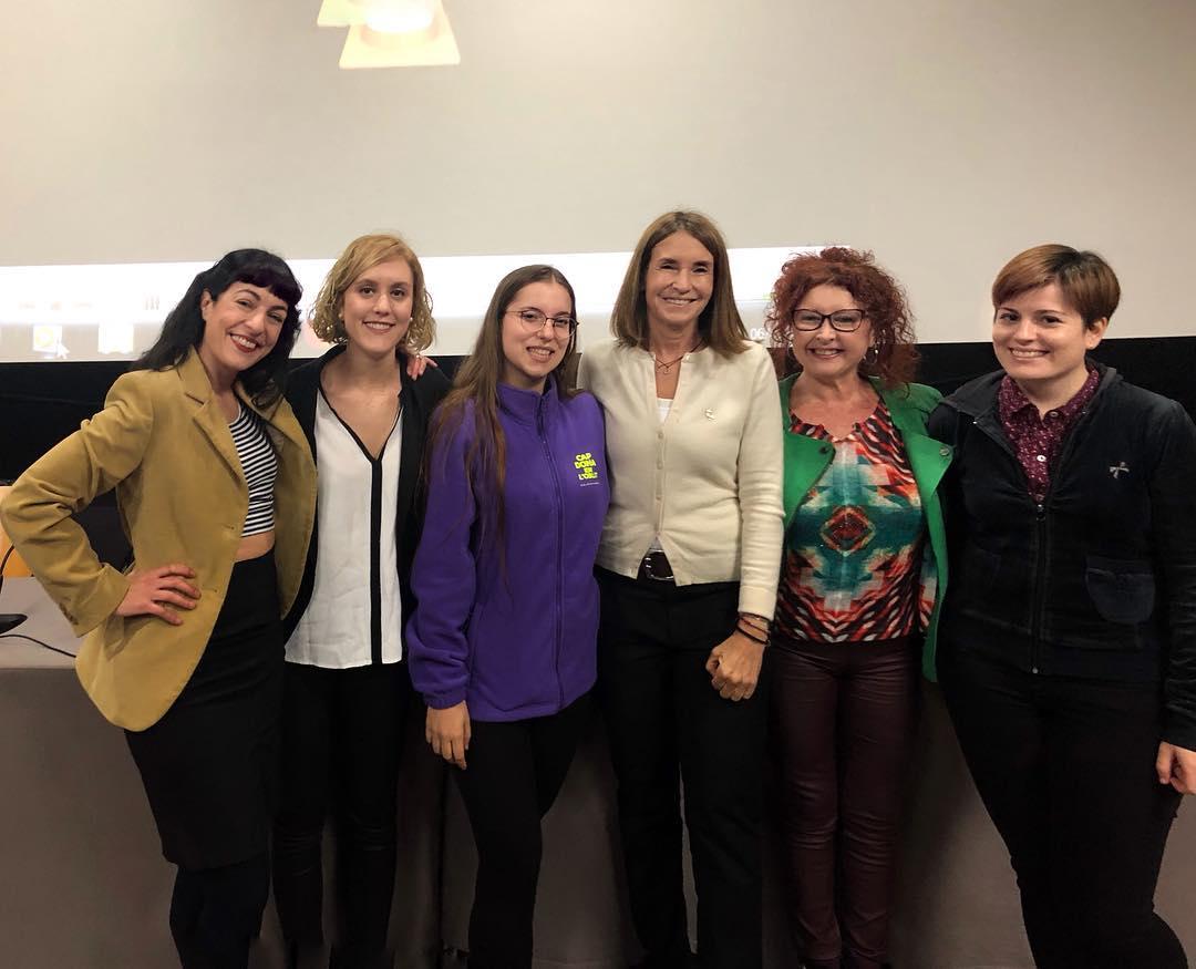 Gràcies @assembleacomunicaciouab per reunir-nos a la @uabbarcelona per parlar de dones i comunicació. @gemmarecoder , @magdagregoriborrell , #cristinagarde i @maitesadurni #8demarç