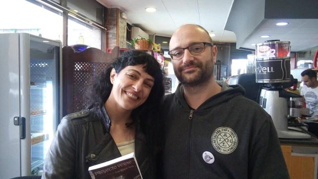 Roser Amills en la I Feria del Libro de La Llagosta, 2019 con José Ramón Vera Torres autor de Resistencia Literaria