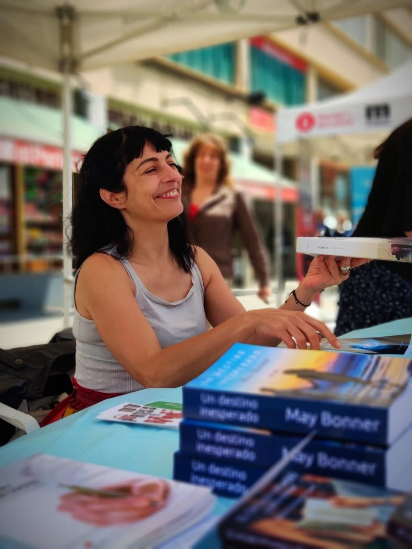 Roser Amills en la I Feria del Libro de La Llagosta, 2019 con Resistencia Literaria