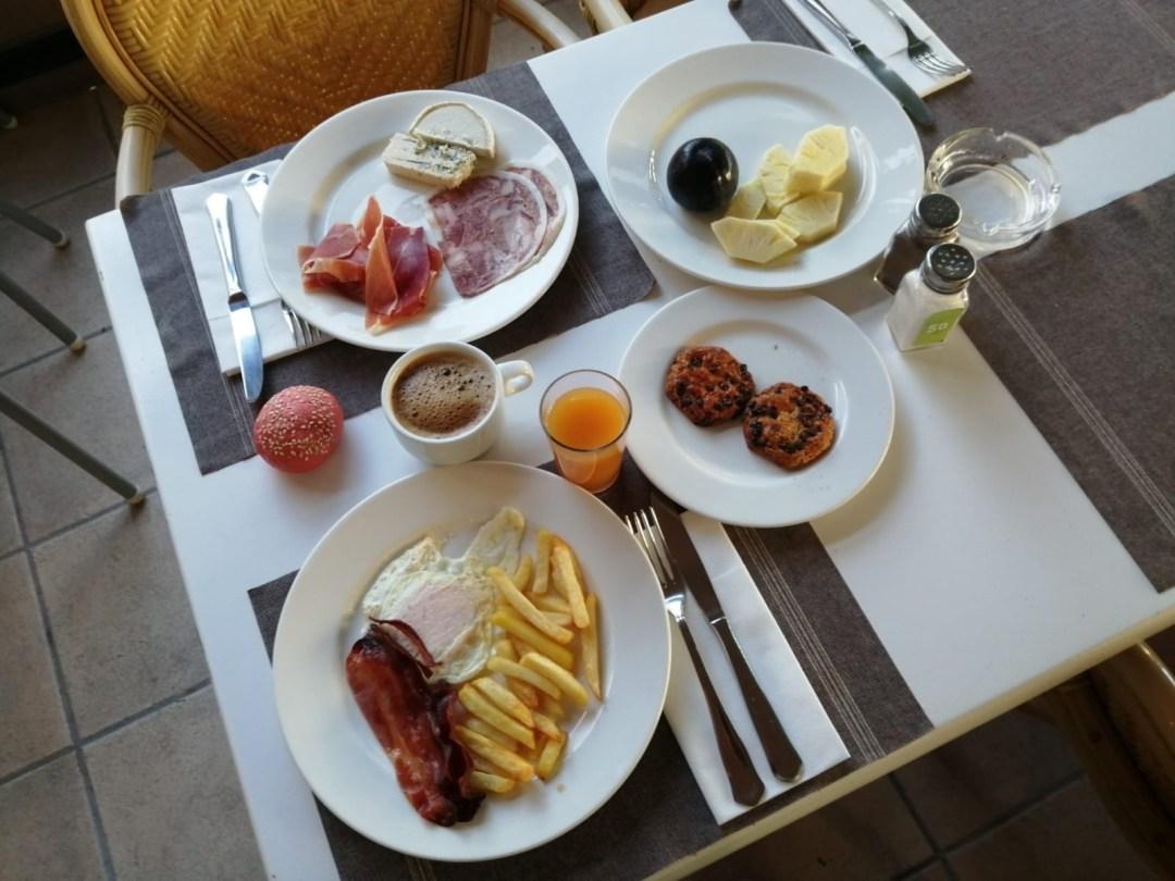 Desayuno en el Houm Hotel de Palma de Mallorca