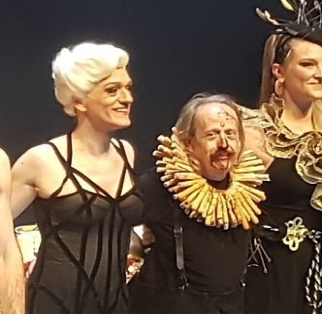 """Asistimos al estreno de """"El gran mercado del mundo"""" en el Teatre Nacional de Catalunya"""