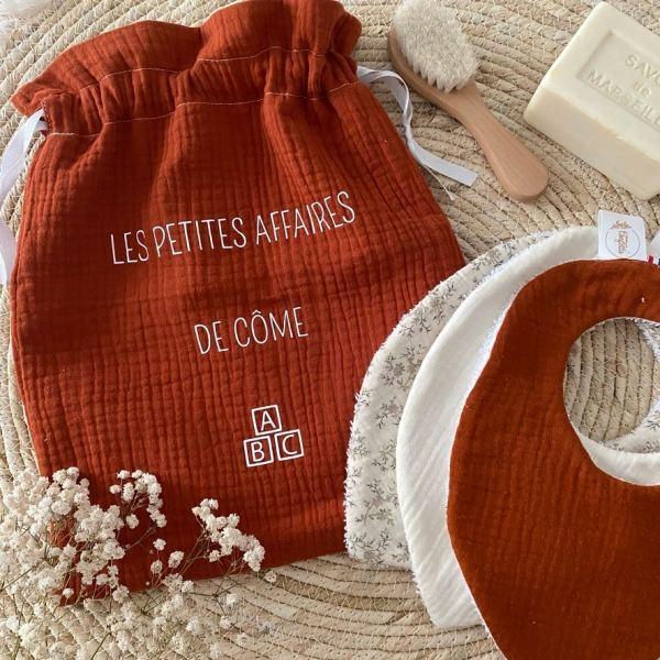pochon double gaze personnalise cadeau naissance bebe made in france