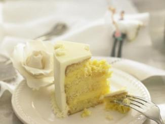 wedding tuxedo rental cake_tasting_cake-543x409