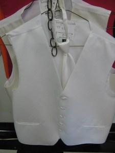 """""""white full back vest and bow"""""""