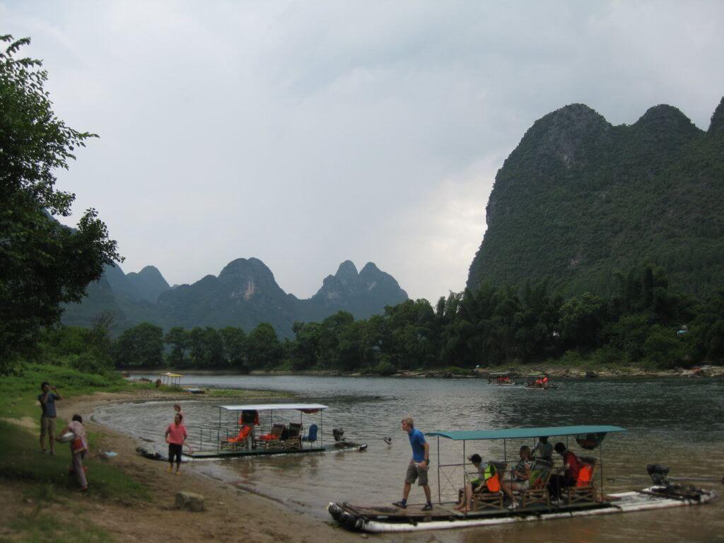 Guilin en el sur de China. Es un lugar muy turístico y lleno de mochileros, pero vale la pena.