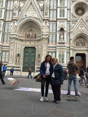 Florencia con mamá, roseviaja