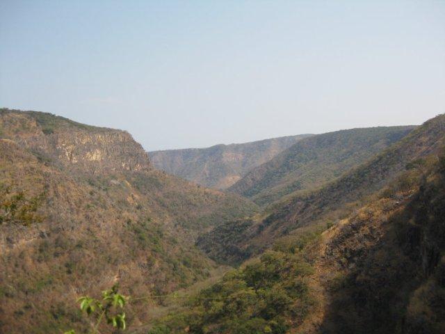 Vista desde arriba de las Kalambo Falls... Impresionante.