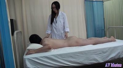 全裸で診察3