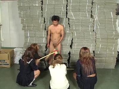 ルーズソックスJKと裸のM男2