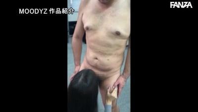 男は全裸 女は着衣 チ○コ丸出し辱めで支配するお姉さま 永井マリアサンプル18