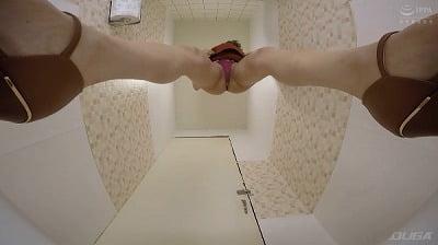 おしっこ顔面シャワー54人 和式トイレ盗撮サンプル3