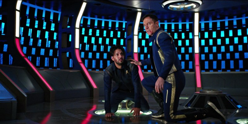 Lt. Ash Tyler and Capt. Gabriel Lorca in Star Trek: Discovery