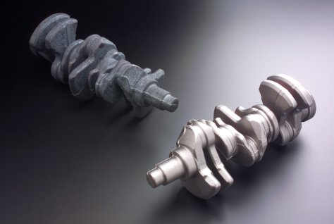 Crankshafts before and after blast cleaning