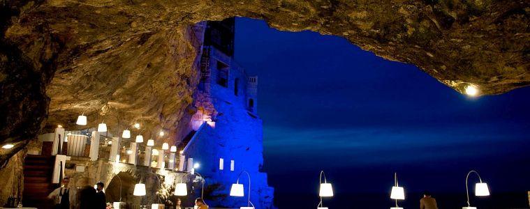 Kolacja w restauracji zawieszonej nad morzem, czyli Polignano a Mare
